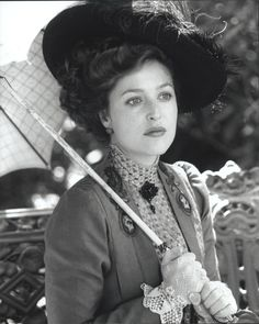 Gillian Anderson as Lily Bart in the film House Of Mirth