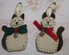 Gattini di feltro per l'albero di Natale