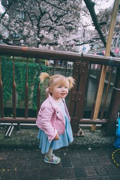 Meguro River in Tokyo - Barefoot Blonde by Amber Fillerup Clark Toddler Girl Outfits, Toddler Fashion, Kids Fashion, Cute Kids, Cute Babies, Baby Kids, Amber Fillerup Clark, Cute Baby Girl Pictures, Barefoot Blonde