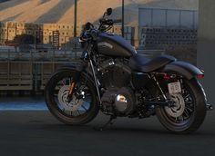 Harley-Davidson Iron 883 black #HarleyDavidson