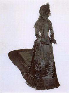 Mourning dress worn by Empress Elizabeth of Austria, 1889