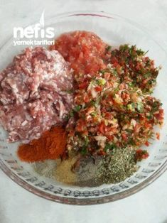 Lahmacun İçi(süper ötesi lezzetli) Turkish Pizza, Minced Meat Recipe, Turkish Kitchen, Good Food, Yummy Food, Eastern Cuisine, Arabic Food, Turkish Recipes, Bon Appetit