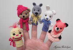 Crochet finger puppets Cute Crochet, Crochet For Kids, Crochet Crafts, Crochet Baby, Crochet Projects, Crochet Amigurumi, Amigurumi Patterns, Crochet Dolls, Octopus Crochet Pattern