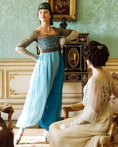 Remember when Lady Sybil rocked this Jasmine-inspired costume on Downton Abbey?