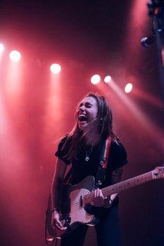 Music Aesthetic, Aesthetic Photo, Aesthetic Pictures, Guitar Girl, Music Pics, Female Guitarist, Women In Music, Musical, Rock Bands