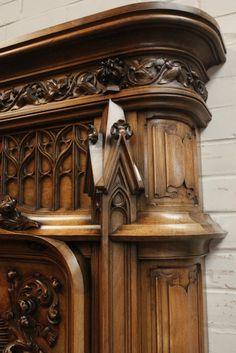 винтажный камин из ореха в готическом стиле, 19 век Medieval Furniture, Gothic Furniture, Vintage Furniture, Furniture Sets, Chip Carving, Fireplace Design, Wainscoting, Woodcarving, Wood Crafts
