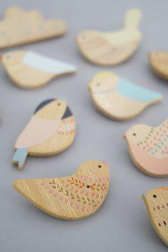 Anna Wiscombe // wooden brooch