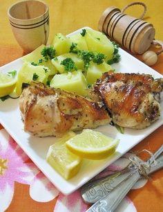 Фото к рецепту: Курица, запеченная с лимоном