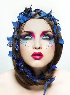 Blue and pink makeup look...Fabulous!