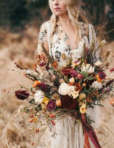 Weddingwire Expo From Bridal Flower Jewellery Online India Round Wedding Dresses Sleeves Until Wedding G Bridal Bouquet Fall Fall Wedding Bouquets Autumn Bride