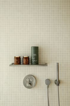 come clean: the case for getting busy in the bathroom. Bathroom Wall, Bathroom Interior, Master Bathroom, Flat Interior, Interior Design, Sweet Home, Victorian Bathroom, Austin Homes, Bathroom Design Small