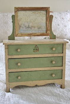 Doll furniture - dresser - Ironstone and Pine