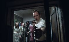 Invocação do Mal 2 é um grande filme de terror cheio de sustos, casas de madeira rangendo, demônios e muito mais sustos.