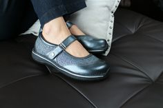 Alegria Sonya Pewter - Now on Closeout! | Alegria Shoe Shop #AlegriaShoes #closeouts #sale