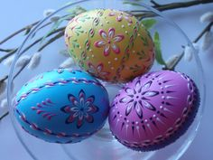 Easter Eggs Traditional Polish Eggs Wax-Embossed by EggstrArt Easter Projects, Easter Crafts, Projects To Try, Easter In Poland, Easter Colors, Egg Art, Chicken Eggs, White Gift Boxes, Egg Decorating