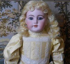 EMMIE'S ANTIQUE DOLL CASTLE on Ruby Lane http://www.rubylane.com/item/394302-LG14166/Antique-Kestner-German-Glazed-Porcelain-China #antiquedoll
