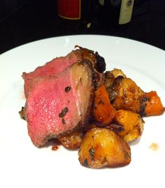 Roasted Beef Sirloin with Root Vegetables Beef Sirloin, Roast Beef, Root Vegetables, Steak, Food, Meals, Yemek, Eten