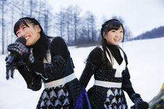ももいろクローバーZ「ももいろクリスマス2015 ~Beautiful Survivors~」12月23日公演での高城れに、有安杏果。(Photo by HAJIME KAMIIISAKA+Z) [画像ギャラリー 12/22] - 音楽ナタリー