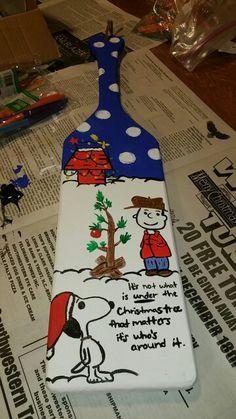 Sorority Paddle, Charlie Brown Christmas themed sorority paddle, painted sorority paddle Tri Delta, Kappa Delta, Alpha Phi, College Sorority, Sorority Life, Sorority Paddles, Sorority Crafts, Charlie Brown Christmas, Christmas Tea
