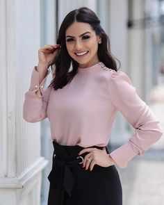 Wear to work style – Lady Dress Designs Blouse Styles, Blouse Designs, Office Outfits, Casual Outfits, Long Skirt Outfits, Mode Hijab, Leila, Work Fashion, Corsage