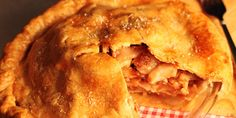 Tarte aux pommes, bacon, cheddar fort et sirop d'érable signé Max L'Affamé Cheddar, Apple Pie, Bacon, Cooking, Desserts, Sweet Pie, Pies, Cinnamon Tea, Toasted Pecans