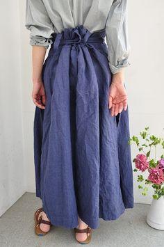 DANIELA GREGIS. With crisp, light linen.