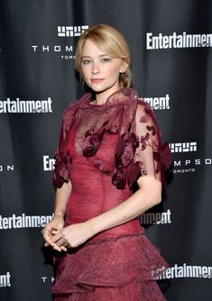 Side fringe hairstyles: Haley Bennett- CosmopolitanUK - New Site Side Fringe Hairstyles, Basic Hairstyles, Face Shape Hairstyles, Braided Ponytail Hairstyles, Bob Hairstyles For Fine Hair, Older Women Hairstyles, Formal Hairstyles, Latest Hairstyles, Afro Hairstyles