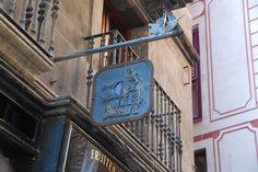 Shop sign in La Ribera, Barcelona, Spain