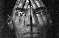 Google Image Result for http://learnmyshot.com/photos/088-types-of-portrait/surreal-portrait-main.jpg
