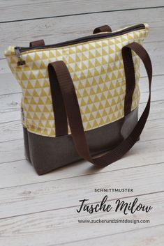 Sew the Milow bag [DIY-Anleitung mit kostenlosen Schnittmuster und Video] - Sugar and cinnamon design - Free sewing pattern bag Milow with step-by-step instructions and video! Free s - Handbag Patterns, Bag Patterns To Sew, Sewing Patterns Free, Free Sewing, Free Pattern, Sewing Hacks, Sewing Tutorials, Sewing Projects, Rucksack Bag