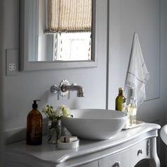 Se tem um cômodo que eu acho que deve ser deliciosamente aconchegante é o banheiro. E, não há estilo mais acolhedor que o country.         ...
