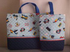 男の子用の通園バッグ・シューズバッグのセットです。切り替え部分のリボン(?)がアクセントになって、シンプルながらも可愛く仕上がったかな、と…(笑...|ハンドメイド、手作り、手仕事品の通販・販売・購入ならCreema。