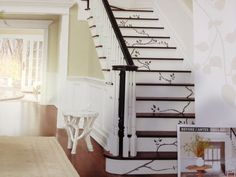 Stairs painted diy (Stairs ideas) Tags: How to Paint Stairs, Stairs painted art, painted stairs ideas, painted stairs ideas staircase makeover Stairs+painted+diy+staircase+makeover Stenciled Stairs, Painted Stairs, Stair Railing, Railing Ideas, Staircase Ideas, Staircase Design, Black Railing, Black Stairs, Stair Design