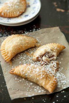 Pecan Pie Pockets Just Desserts, Delicious Desserts, Yummy Food, Pie Recipes, Dessert Recipes, Cooking Recipes, Yummy Treats, Sweet Treats, Sweet Pie