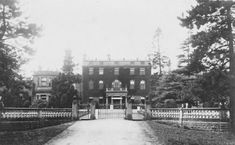 Bulwell Hall, demolished 1958 Country Houses, History Photos, Nottingham, Train Station, Nostalgia, England, Lost, Craft, City