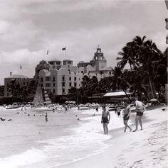 1956 - Royal Hawaiian Hotel, Waikiki, Honolulu   Flickr - Photo Sharing! Aloha Hawaii, Hawaii Travel, Thailand Travel, Hawaii Life, Croatia Travel, Bangkok Thailand, Italy Travel, Oahu Vacation, Hawaiian Homes