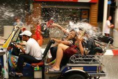 Songkran : la Thaïlande se mouille pour le tourisme