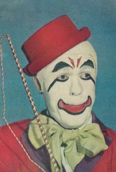 Vintage 1940s Clown Images - gruesome & beautiful #11