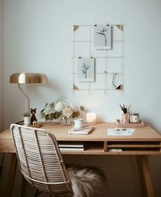 White Home Office Ideas To Make Your Life Easier; home office idea;Home Office Organization Tips; chic home office. Home Desk, Home Office Space, Office Workspace, Home Office Design, Home Office Decor, Small Office, Office Furniture, Office Nook, Office Designs