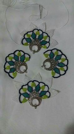 Needle Lace, Bobbin Lace, Needlepoint Patterns, Seed Beads, Tatting, Needlework, Diy And Crafts, Crochet Necklace, Weaving