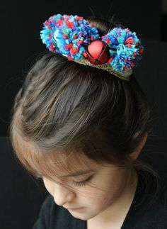How to make a pom pom headpiece. Here's a simple advent activity for children and a unique handmade gift for girls Fun Crafts For Kids, Xmas Crafts, Arts And Crafts, Hair Ribbons, Ribbon Bows, Creative Kids, Creative Crafts, Diy Crown, How To Make A Pom Pom