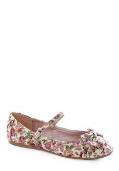Avoir, Être, Faire Flat in Garden  Love it89Share Facebook Twitter Email StumbleUpon Polyvore Kaboodle http://www.modcloth.com/store/Modcloth/Womens/Shoes/Flats/Avoir-tre-Faire-Flat-in-Garden $29.99