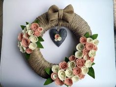Pembe Çiçekli Kapı Süsü