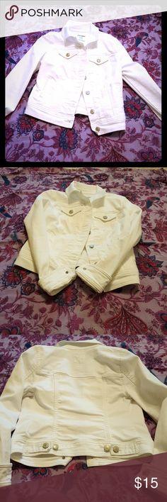 Old Navy crop denim jacket Super cute & versatile white denim jacket Old Navy Jackets & Coats Jean Jackets