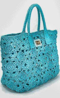 Marvelous Crochet A Shell Stitch Purse Bag Ideas. Wonderful Crochet A Shell Stitch Purse Bag Ideas. Crochet Handbags, Crochet Purses, Crochet Bags, Mode Crochet, Knit Crochet, Irish Crochet, Dolce & Gabbana, Knitted Bags, Crochet Fashion