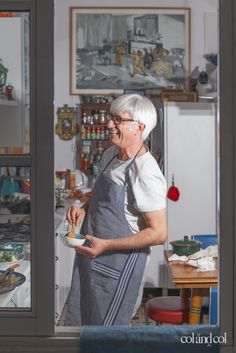 """Entre col&col: JUANJO FUENTES  """"Muy fan de las recetas imposibles de las madres que, ante la pregunta cuánta cantidad, siempre añaden ingredientes a la voz sabia de: la que admita"""""""