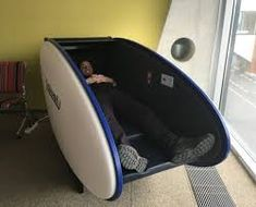 Airport sleeping pods are the answer to getting a good nights sleep in an airport. I found one at Tallinn Airport, and gave it a try! Brisbane Airport, Dubai Airport, Airport Sleeping Pods, Nap Pod, Power Nap, Dubai Travel, Flat Bed, Metal Bar, Feeling Happy