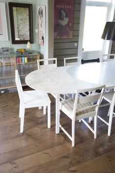Spisebordforlenger. Built by Eivind Stoud Platou Photo: Colin Eick From the book «Bygg selv – håndbok i hjemmesnekring av møbler», Kagge forlag (2016)