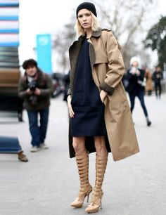 Q: Jaké šaty a s čím je kombinovat tento podzim? A: Dokud to počasí dovolí, nechte stále holé nožky. V kombinaci s kozačkami je to neuvěřitelně sexy! Šaty vybírejte s délkou ke kolenům, midi, ale tentokrát i maxi. Tento podzim také rozhodně vsaďte na pánské střihy kabátů nebo vajíčkovou siluetu. Kdo si na ně nepotrpí, sázkou na jistotu je vypasovaná kožená bundička.  Punčošky pak volte neprůhledné, černé, ale i barevné (temně zelené, šedivé, vínové). A nezapomínejte na klobouky a mohutné…