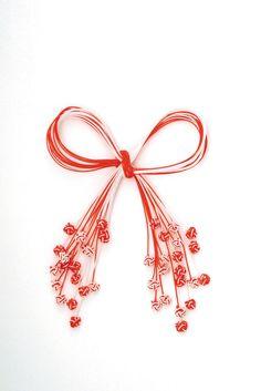 "Képtalálat a következőre: ""mizuhiki knot tutorial book"" Japanese Party, Japanese New Year, Japanese Gifts, Japanese Ornaments, Japanese Gift Wrapping, International Craft, Paper Cut Design, Japan Design, Kokeshi Dolls"